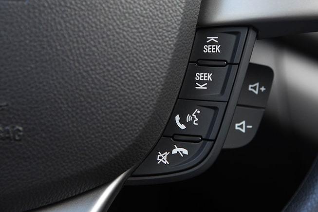 Chevrolet Spark GT - Comandos al Volante de tu Hatchback